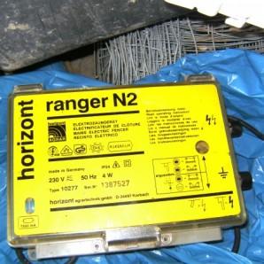 Elektozaungerät Ranger N40 und Zubehör zu verkaufen , Elektozaungerät Ranger N40  10 weiße 110cm Weidestäbe 10 blaue 91cm Weidestäbe 400m Litze  Erdstab   360€ VB